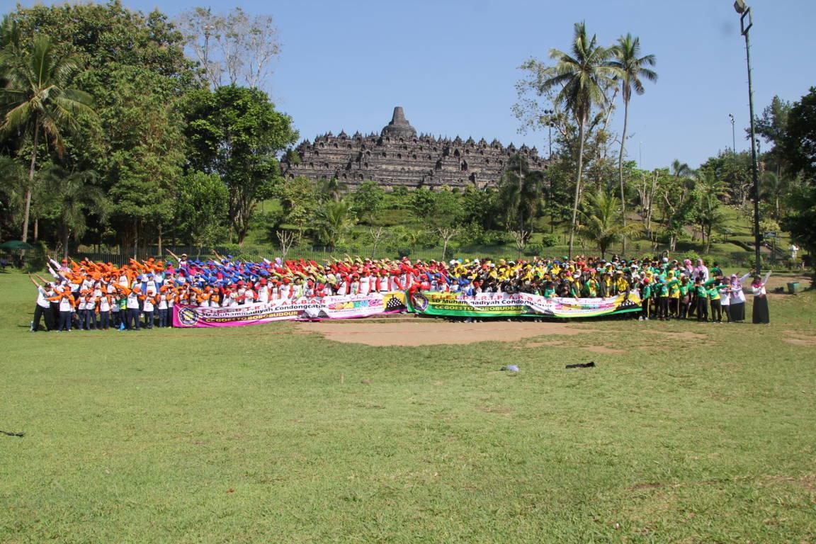 SD Muhammadiyah Condongcatur Berangkatkan 767 Siswa Ke Candi Borobudur