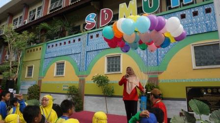 SD Muhammadiyah Condongcatur Ajak Wali Murid Senam Massal dan Jalan Sehat di Kemeriahan Milad Muhammadiyah ke-107