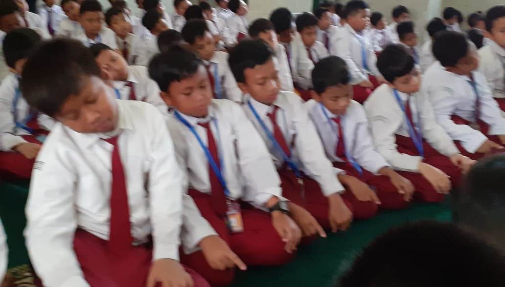 Sholat Jama'ah Serentak Demi Membangun Karakter Religiusitas Para Siswa SD Muhammadiyah Condongcatur