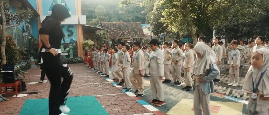 Terapkan PHBS, SD Muhammadiyah Condongcatur Adakan Senam Bersama Setiap Hari Jum'at